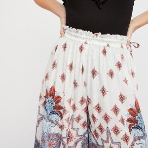 Free People Pants & Jumpsuits - FREE PEOPLE Gold Dust Printed Wide Leg Pant SM NWT